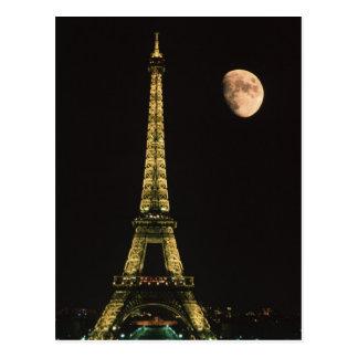 フランス、パリ。 夜のエッフェル塔との ポストカード