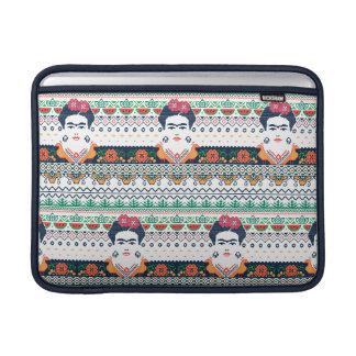 フリーダ・カーロ|のアズテック人 MacBook スリーブ