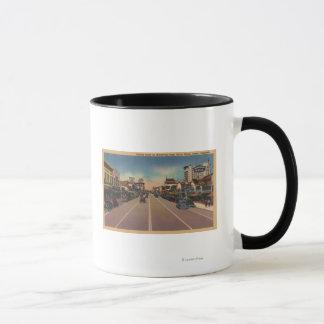 フレズノ、ブロードウェイで北カリフォルニアの眺め- マグカップ