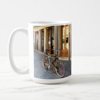 フレンチクォーターのニュー・オーリンズのマグ コーヒーマグカップ