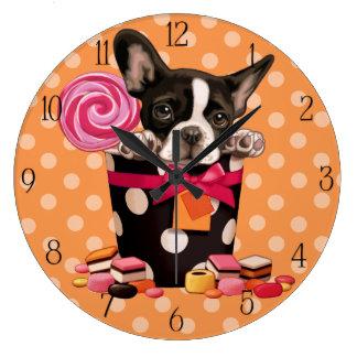 フレンチ・ブルドッグおよびキャンデー ラージ壁時計