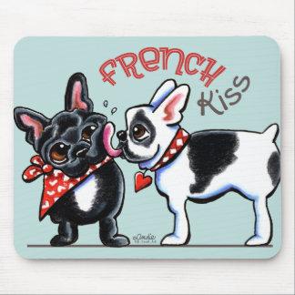 フレンチ・ブルドッグのキス マウスパッド