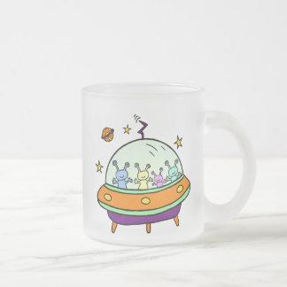フレンドリーなエイリアン フロストグラスマグカップ