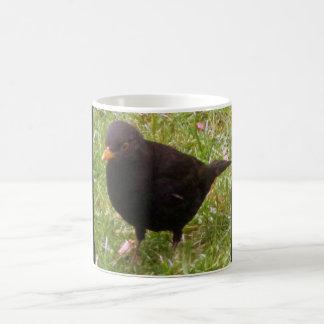 フレンドリーなクロドリのマグ コーヒーマグカップ