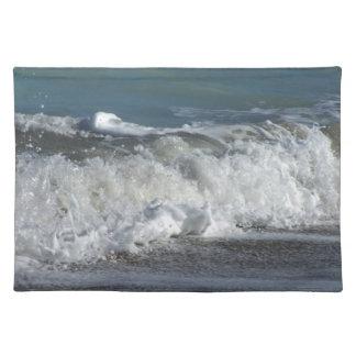 フロリダのビーチで衝突する波 ランチョンマット