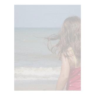 フロリダのビーチの幼児の背部意見 レターヘッド