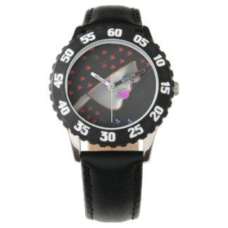 フードの腕時計の女の子 腕時計