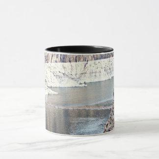 フーバー・ダムの冷たい川のコーヒー2調子のマグ マグカップ