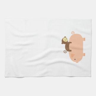 ブタのベビー猿の乗馬 キッチンタオル