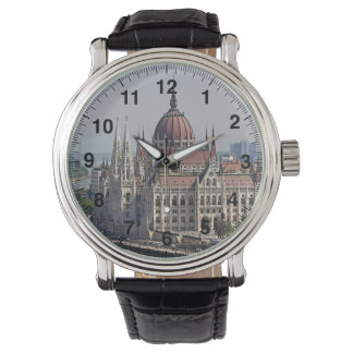 ブダペストの議会の南側、ハンガリー 腕時計