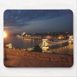 ブダペストの魅了された夕べ マウスパッド