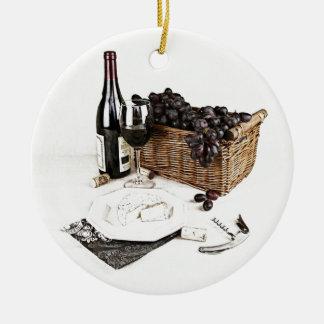 ブドウのワイン・ボトル、ワイングラスおよびバスケット セラミックオーナメント