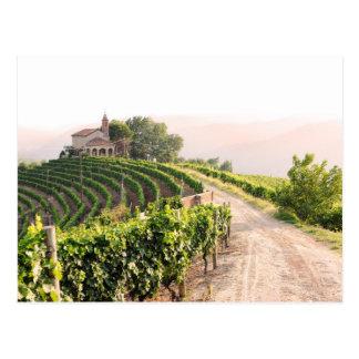 ブドウ園および教会との景色 ポストカード