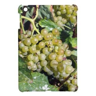 ブドウ園の白葡萄 iPad MINIケース