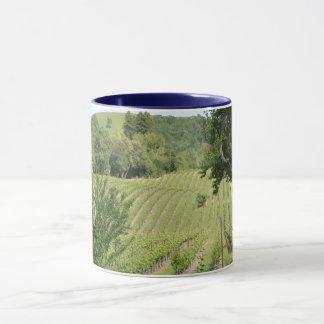 ブドウ園の眺め マグカップ