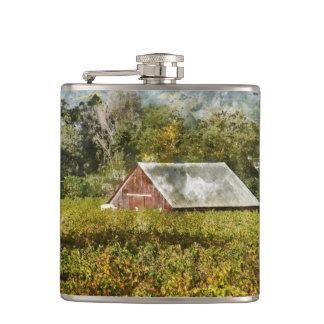 ブドウ園の赤い納屋 フラスク