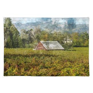 ブドウ園の赤い納屋 ランチョンマット