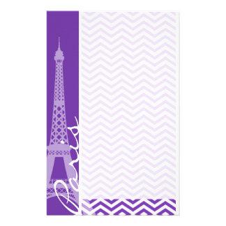 ブドウ紫色のシェブロンは縞で飾ります; パリ 便箋