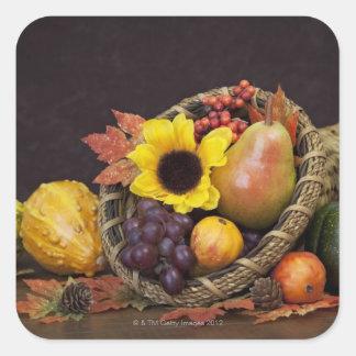 ブドウ、ナシおよびひょうたんが付いている秋のコルヌコピア スクエアシール