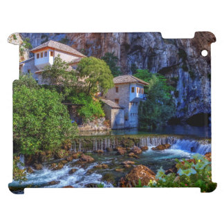 ブナの滝、ボスニアの小さい村Blagaj iPadケース