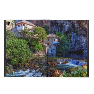 ブナの滝、ボスニアの小さい村Blagaj iPad Airケース