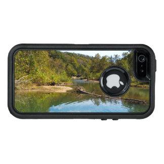 ブライアントの入り江の秋 オッターボックスディフェンダーiPhoneケース