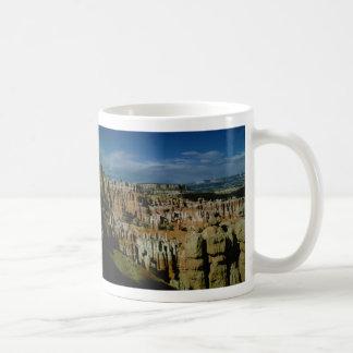 ブライス渓谷の国立公園のマグ コーヒーマグカップ