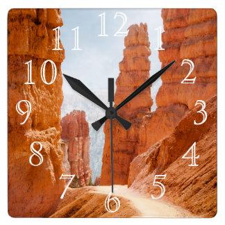 ブライス渓谷の国立公園の道 スクエア壁時計