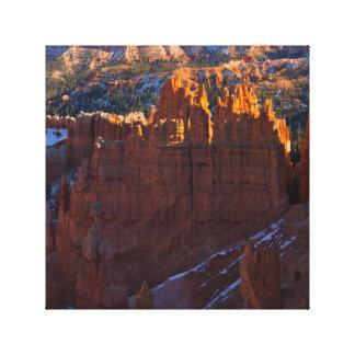 ブライス渓谷は写真のキャンバスをHoodoos キャンバスプリント