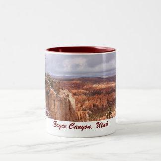 ブライス渓谷、ユタのマグ(第2) ツートーンマグカップ