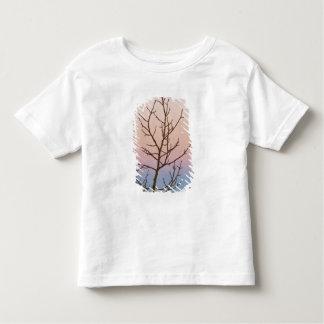 ブライス渓谷、ユタ。 日没の前の裸の木 トドラーTシャツ