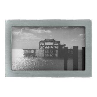 ブライトン西桟橋の黒及び白 長方形ベルトバックル