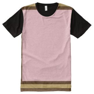 ブラウンおよびモードトリムとのピンク オールオーバープリントT シャツ