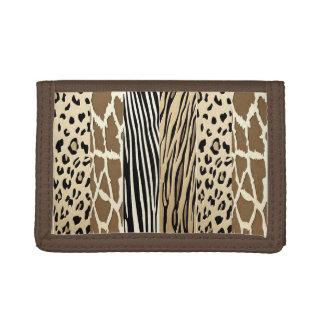 ブラウンのアニマルプリントの財布