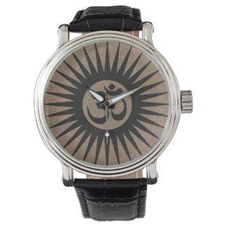 ブラウンのバンドが付いている腕時計を覚醒させるSamsara 腕時計