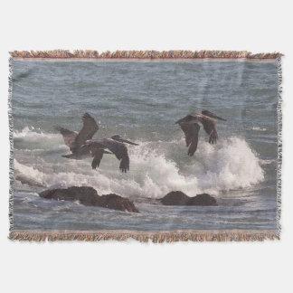 ブラウンのペリカンの鳥の海洋波のブランケット スローブランケット