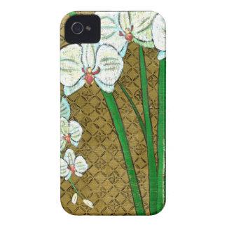 ブラウンのボーダーの白い花そして緑の茎 Case-Mate iPhone 4 ケース