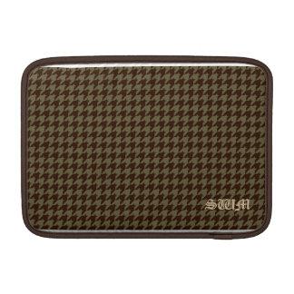 ブラウンの千鳥格子のなハンサムな紳士のパターン MacBook スリーブ