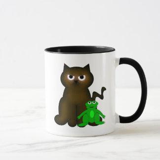 ブラウンの子猫およびFroggyの友人 マグカップ