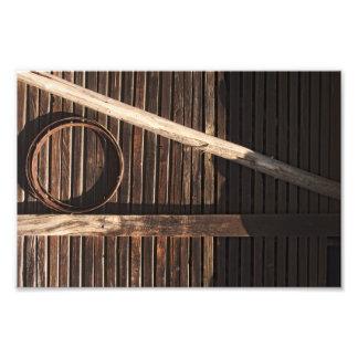 ブラウンの木の板の納屋の壁-田園写真撮影 フォトプリント
