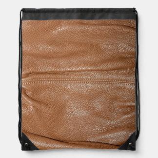 ブラウンの柔らかくしなやかな革穀物の一見 ナップサック