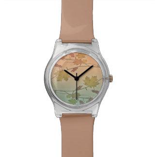 ブラウンの落ちる葉の秋の腕時計 腕時計