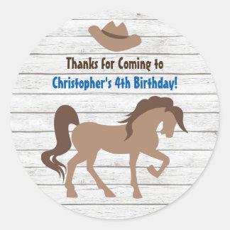 ブラウンの馬およびカーボーイ・ハットの西部の誕生日 ラウンドシール