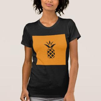 ブラウンの黒いマツApple Tシャツ
