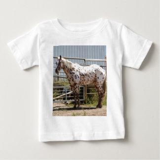 ブラウンはAppaloosaの馬に斑点を付けました ベビーTシャツ