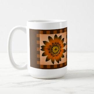 ブラウンペルーのデイジーの花、パターンは-マグを縞で飾ります コーヒーマグカップ