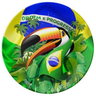 ブラジルの旗の磁器皿とのToco Toucan 磁器プレート