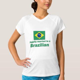 ブラジル人に幸福に結婚した Tシャツ