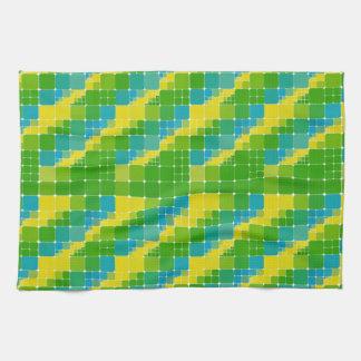 ブラジル色の正方形のブラジルカラータイル模様 キッチンタオル