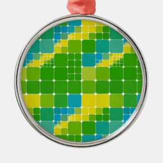 ブラジル色の正方形のブラジルカラータイル模様 シルバーカラー丸型オーナメント